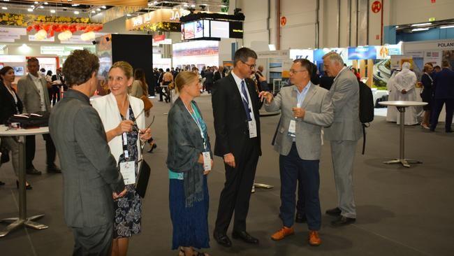 RT_Weltstrassenkongress2019_AbouDhabi_Stand