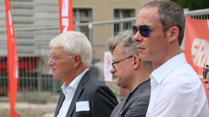 v.l.: Dr. Conrad Amman (CEO Primeo), Jacek Wieckowicz  und Stefan Knüsel (Rapp Architekten AG)